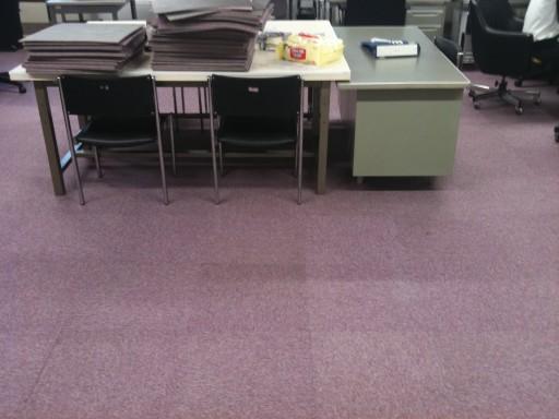 研究室にカーペット導入