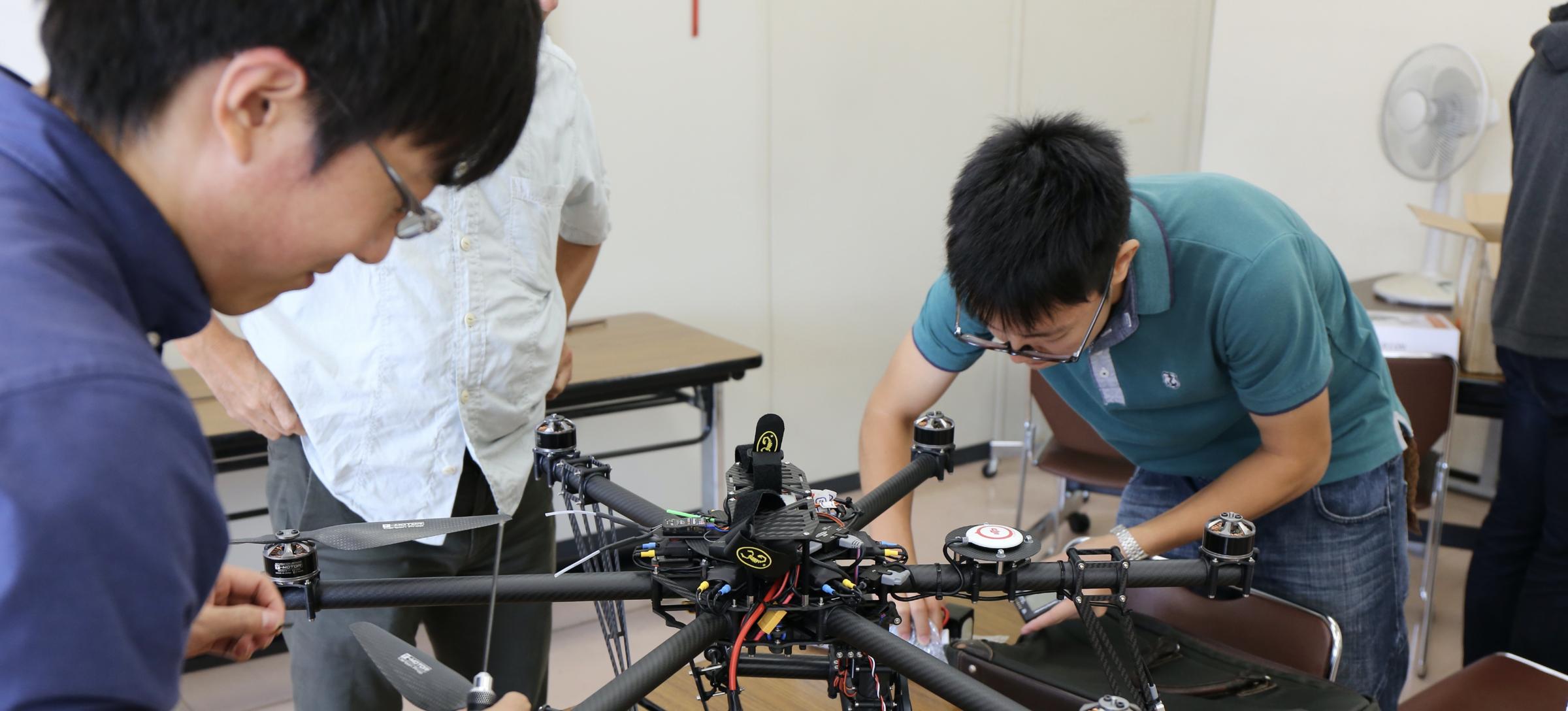 ドローン/スマート・ロボティクス Drone/Smart Robotics